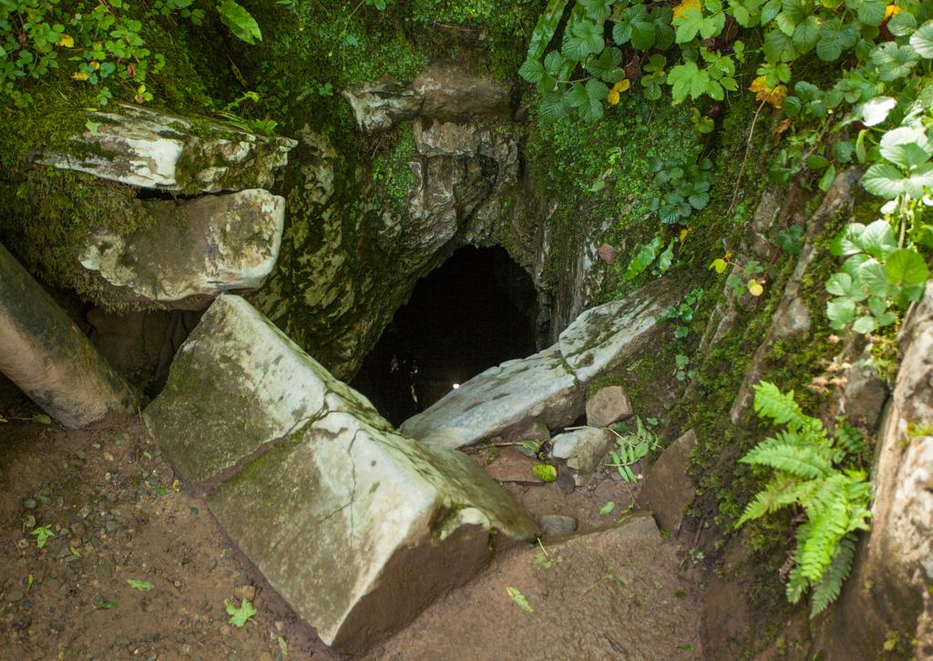 Porth yr Ogof entrance